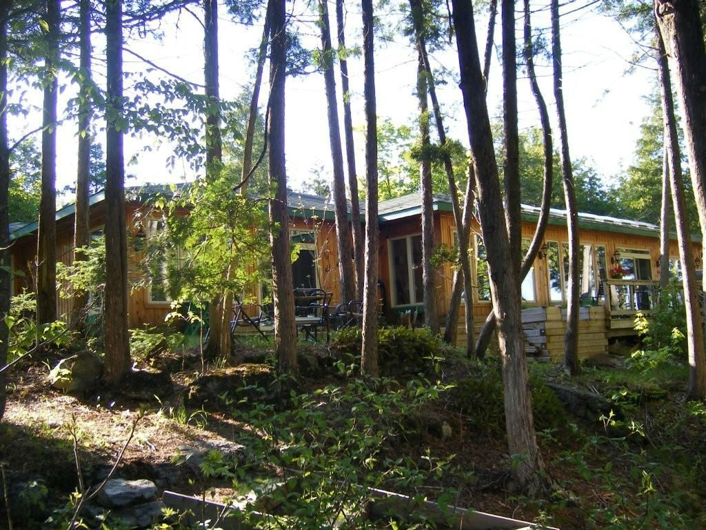 Private Wilderness Lakehouse on Sandy Lake