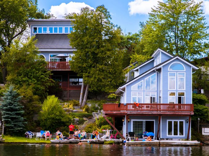 Executive cottage on Sturgeon Lake, Kawartha Lake region