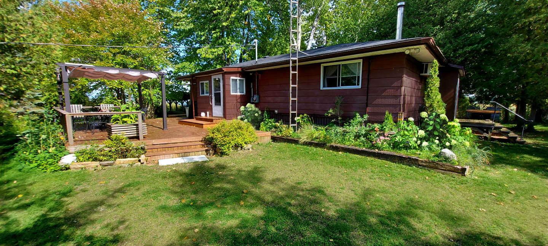 Alberta's Cottage on Pigeon Lake   Kawartha Cottage Vacations