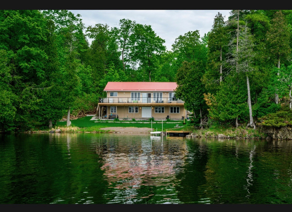 Family Cottage On Belmont Lake
